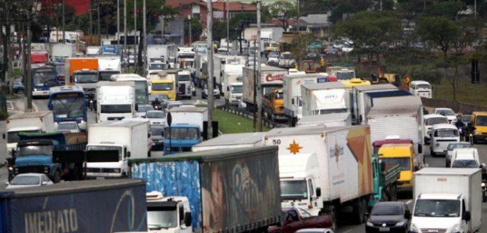 revista-carga-pesada-caminhões-marginal-tietê
