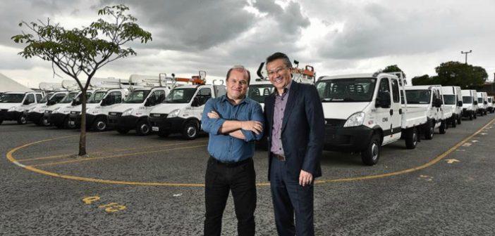Marcelo Taveira, diretor de compras e distribuição de frotas da LM Frotas, e Osmar Hirashiki, diretor comercial da Iveco - foto: Leandro Perez