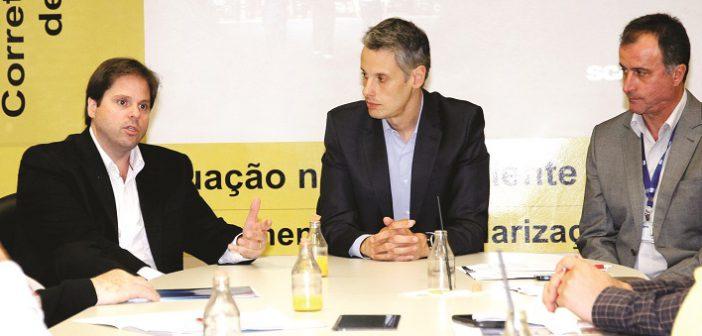 Gustavo Andrade, Fábio Souza e Sérgio Pupo: concessionária não pode ficar esperando o cliente