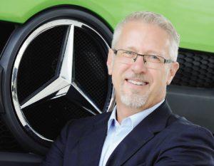 O diretor Ari de Carvalho: tudo no caminhão é produzido pela própria Mercedes