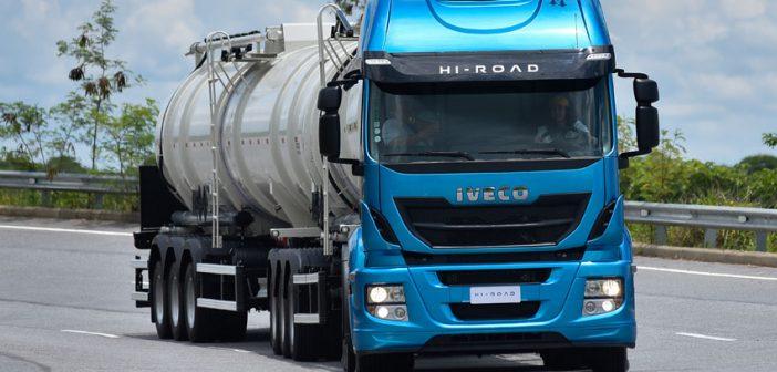 Iveco Hi-Road quer seu espaço nos pesados