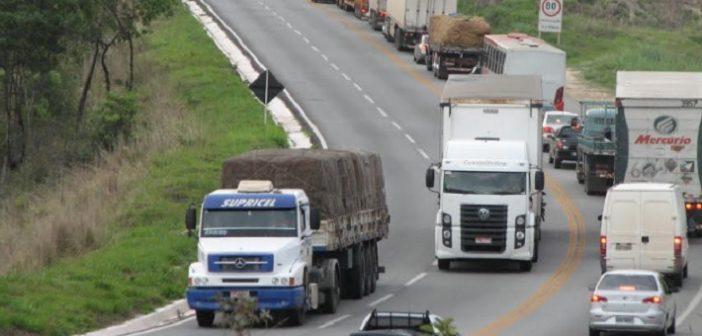 Pacote de benefícios para caminhoneiro fica no papel